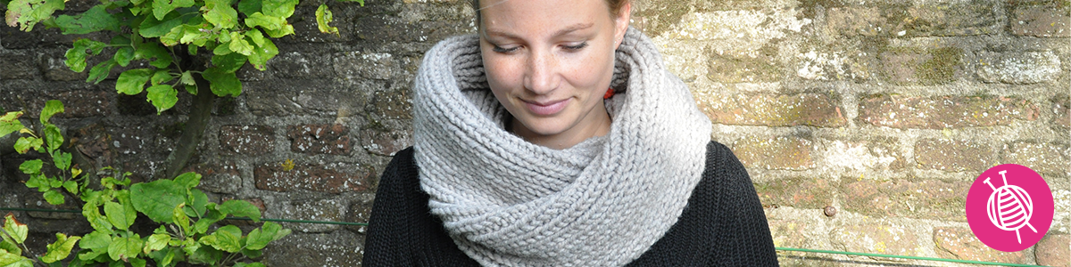 Knitting a Trendy Infinity Scarf
