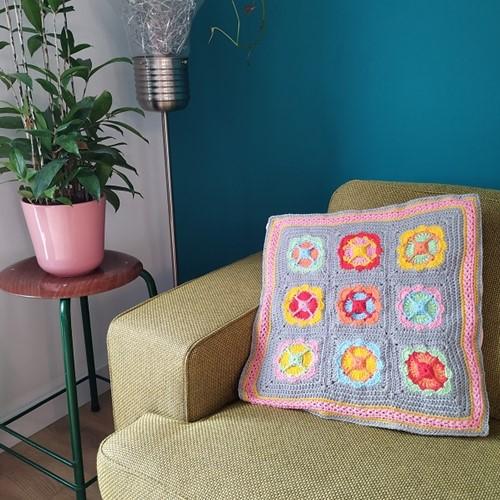 Crochet Pattern Acrylic Power Flower Cushion