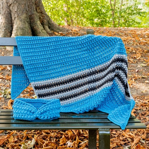 Yarn and Colors Criss Cross Dot Scarf Crochet Kit 069 Petrol Blue