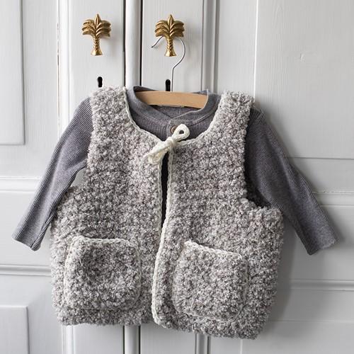 Hugg Kids Vest Knitting Kit 1 Grey 6/12 months