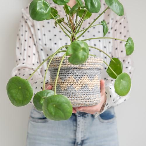 Yarn and Colors Basic Plant Baskets Crochet Kit 096 Shark Grey