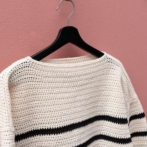 Yarn and Colors Classic Jumper Crochet Kit 2 Black M