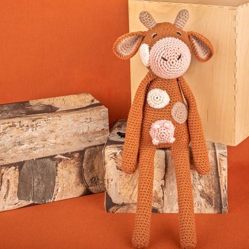 Yarn and Colors Clara Cow Crochet Kit 026 Satay