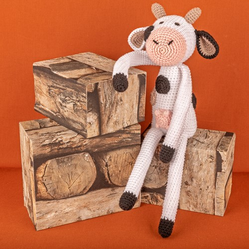 Crochet Pattern Yarn and Colors Clara Cow