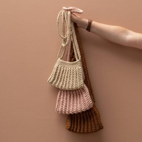 Crochet Pattern Yarn and Colors Cool Cross Body Bag