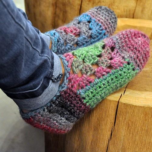 Crochet pattern womens slippers
