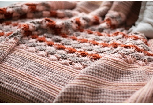 Stayhome 2020 Blanket Crochet Kit 2 Rosé