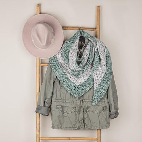 Crochet Pattern Yarn and Colors Diamond Bobble Shawl