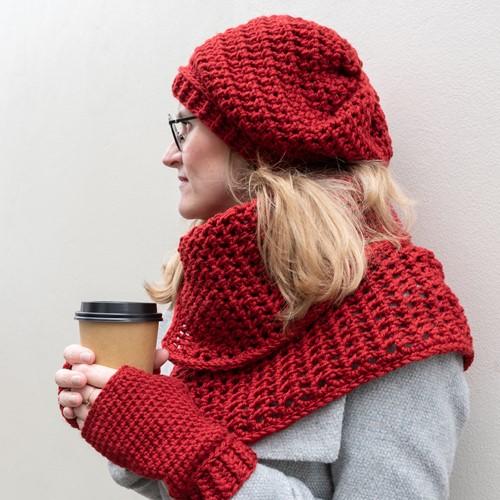 Yarn and Colors Chunky Cheerful Cowl Crochet Kit 1 Burgundy