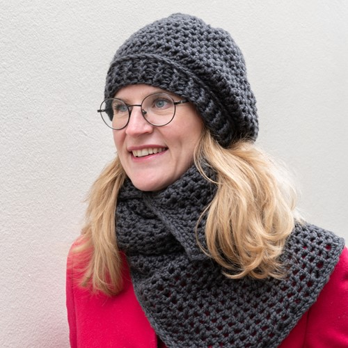 Yarn and Colors Chunky Cheerful Hat Crochet Kit 2 Graphite