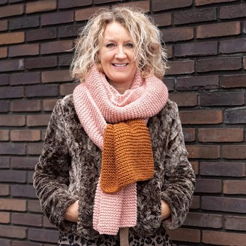 Yarn and Colors Simple Scarf Knitting/Crochet Kit 2 Satay