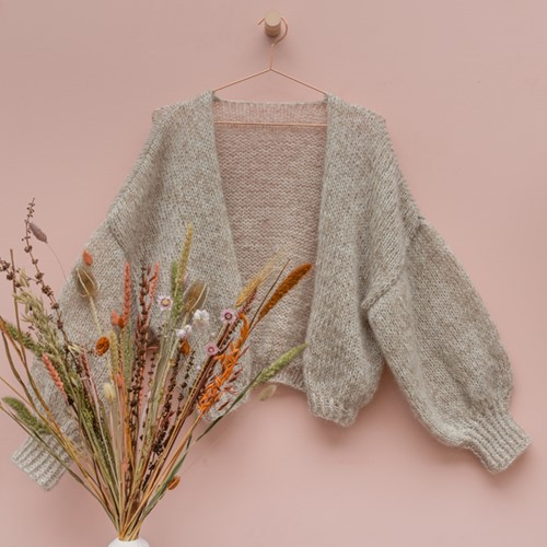 Yarn and Colors Cloud Cardigan Crochet Kit S/M 002 Cream