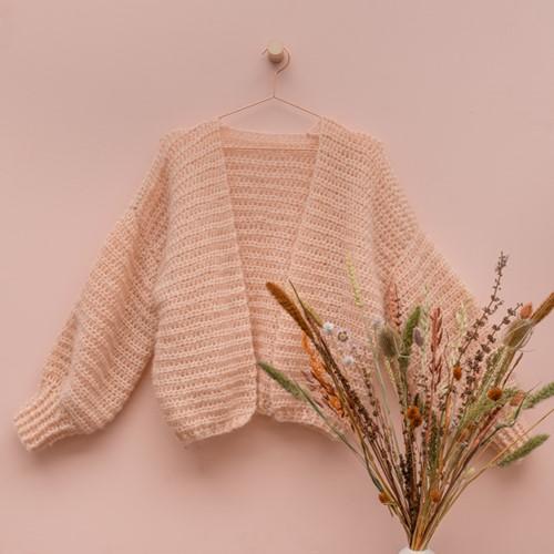 Yarn and Colors Cloud Cardigan Crochet Kit L/XL 101 Rosé