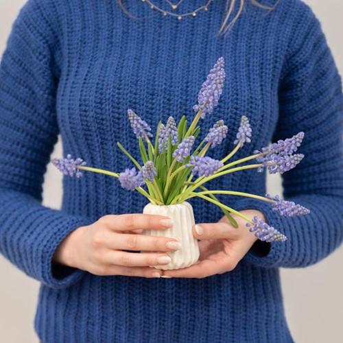 Yarn and Colors Elegant Brunch Time Sweater Crochet Kit M Navy Blue