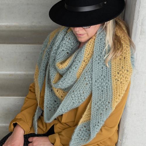 Yarn and Colors Elegant Diamond Bobble Shawl Crochet Kit