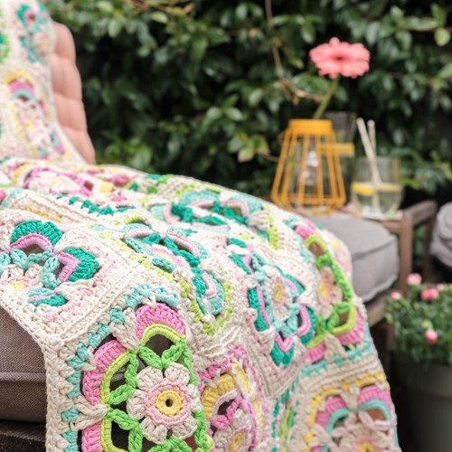 Crochet Pattern Yarn and Colors Garden Party Blanket