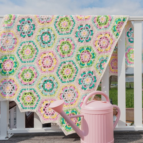 Yarn and Colors Garden Party Blanket Crochet Kit