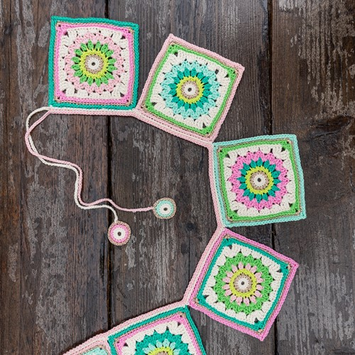 Crochet Pattern Yarn and Colors Garden Party Bunting