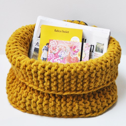 Pattern knitted basket