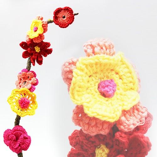 Pattern crocheted flowers