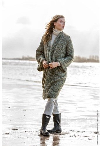 Knitting Pattern Nuvoletta Raglan Coat