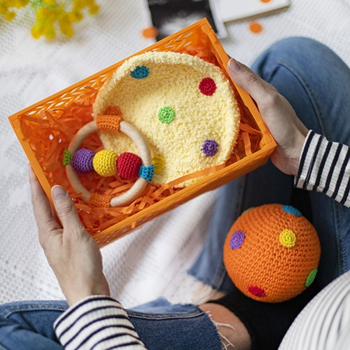 Mom To Be Set Orange Dots Crochet Kit