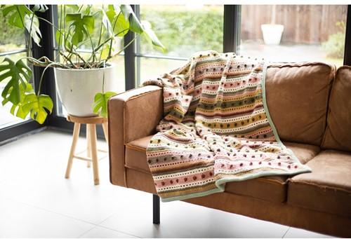 Striped Dot Blanket Crochet Kit