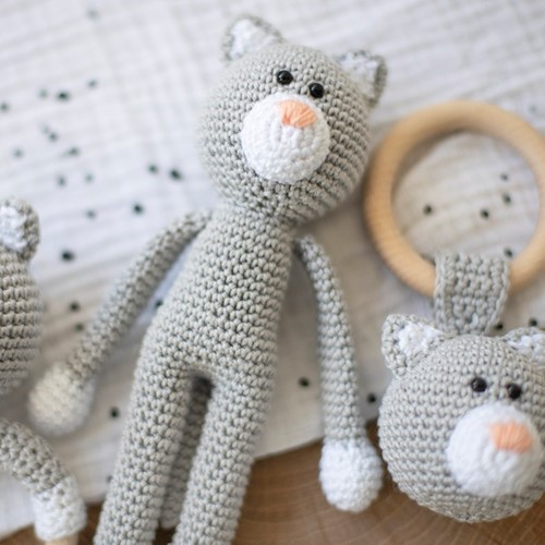 Yarnplaza Cuddly Toy Cat Crochet Kit