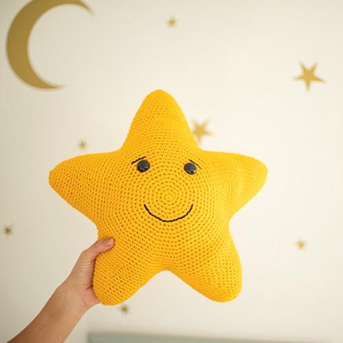 Dream Cushion Star Crochet Kit
