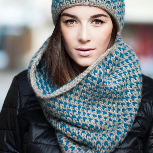 Pattern knooking snood and hat