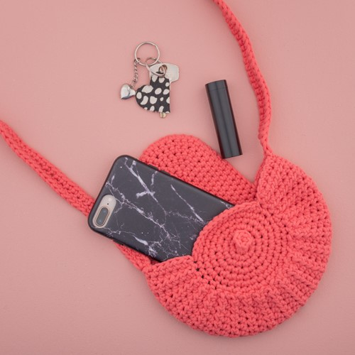 Yarn and Colors Petit Purse Crochet Kit 041 Coral