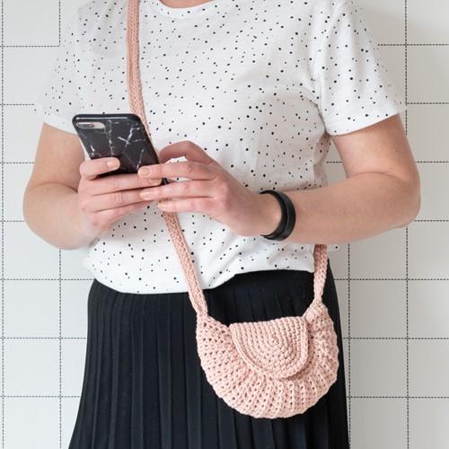 Yarn and Colors Petit Purse Crochet Kit 101 Rosé