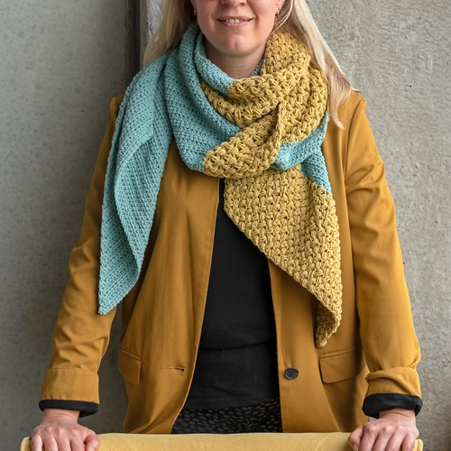 Yarn and Colors Slanted Scarf Crochet Kit 072 Glass
