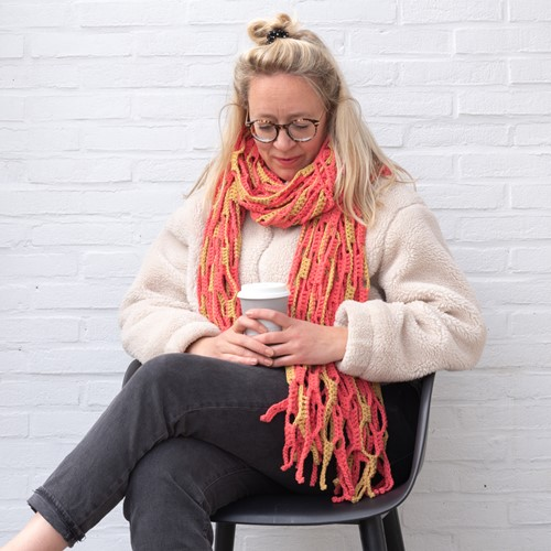 Yarn and Colors Slouchy Stripes Shawl Crochet Kit 041 Coral