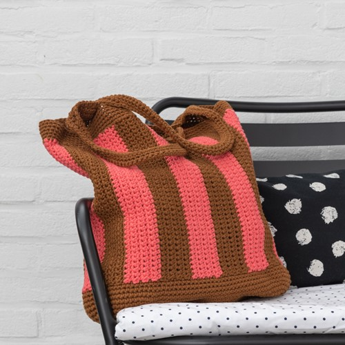 Crochet Pattern Yarn and Colors Striped Tote Bag