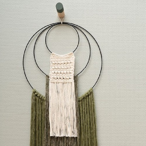 Yarn and Colors Three is a Charm WOW! Wall Hanging Kit 023 Cream / Khaki / Olive