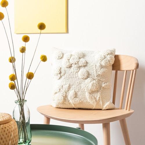 Flower Pillow Uni Punch Needle Kit 1