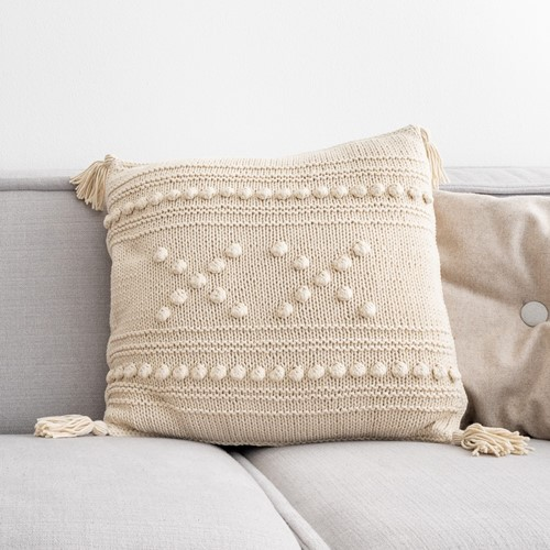 "Yarn and Colors ""XX"" Cushion Knitting Kit 003 Ecru"