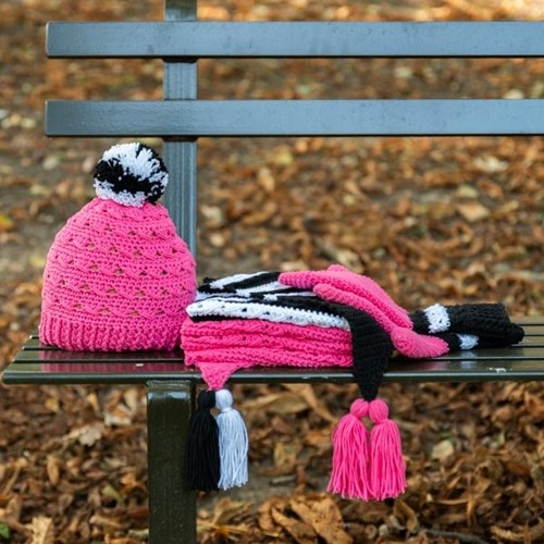 Yarn and Colors Black White and Bright Hat Crochet Kit 035 Girly Pink