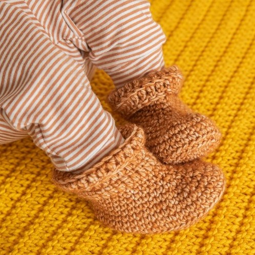 Yarn and Colors Oh Baby! Crochet Booties Crochet Kit 026 Satay